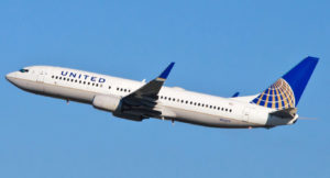 United_Airlines_-_N14219_-_Flickr_-_skinnylawyer_(1)